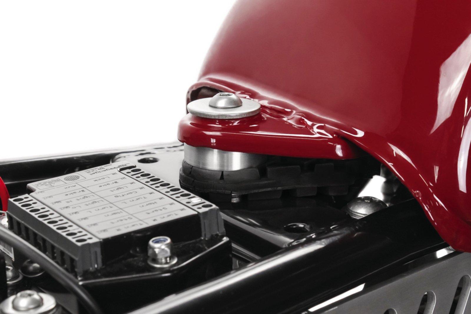Fuel Tank Lift-Up Kit +15mm 29-096