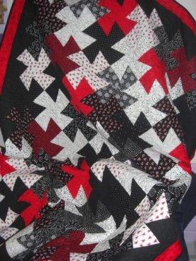 bee's quilt shop twister quilt class
