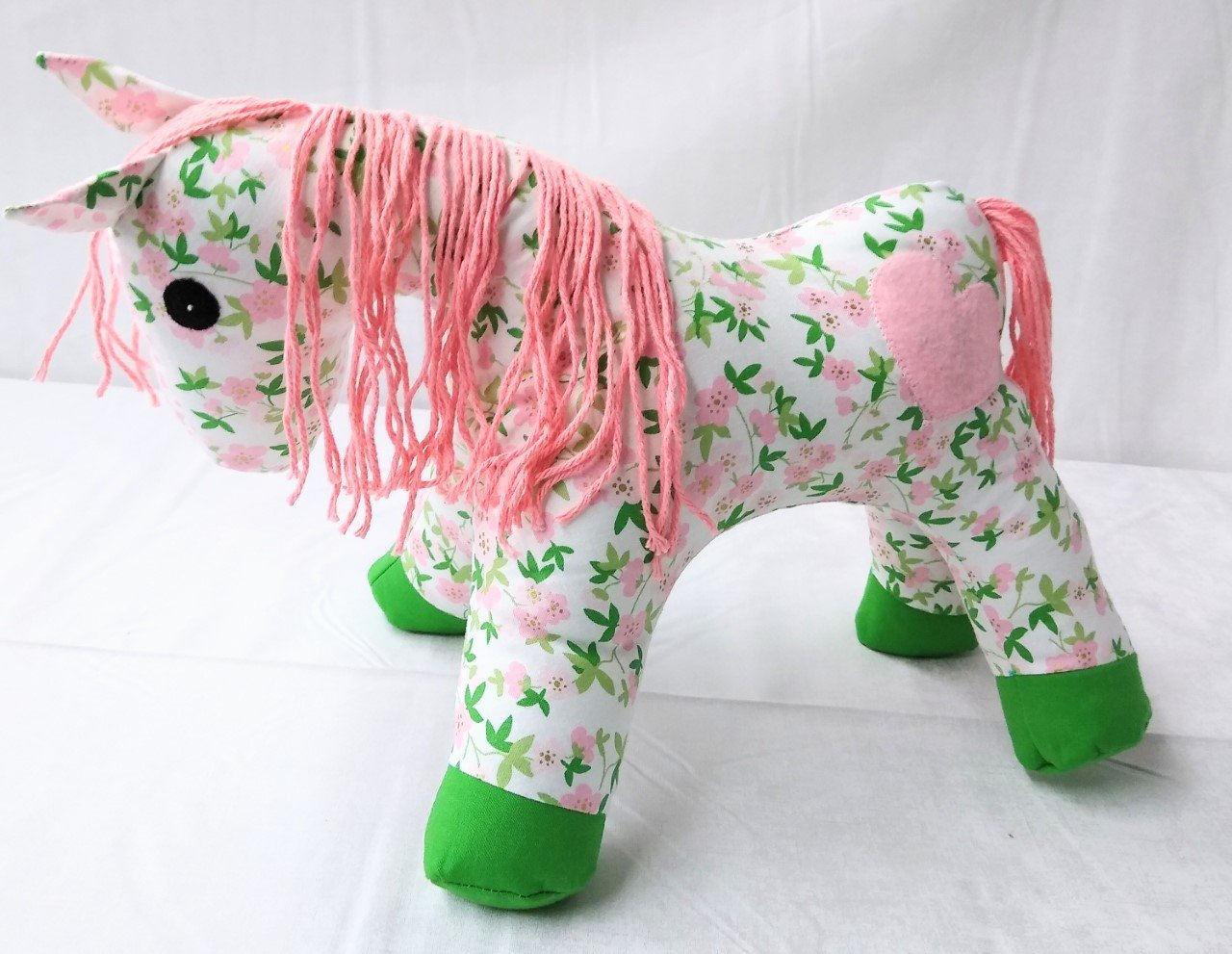 A Herd for Hugs - Sweet Pink Calico Horse Kit