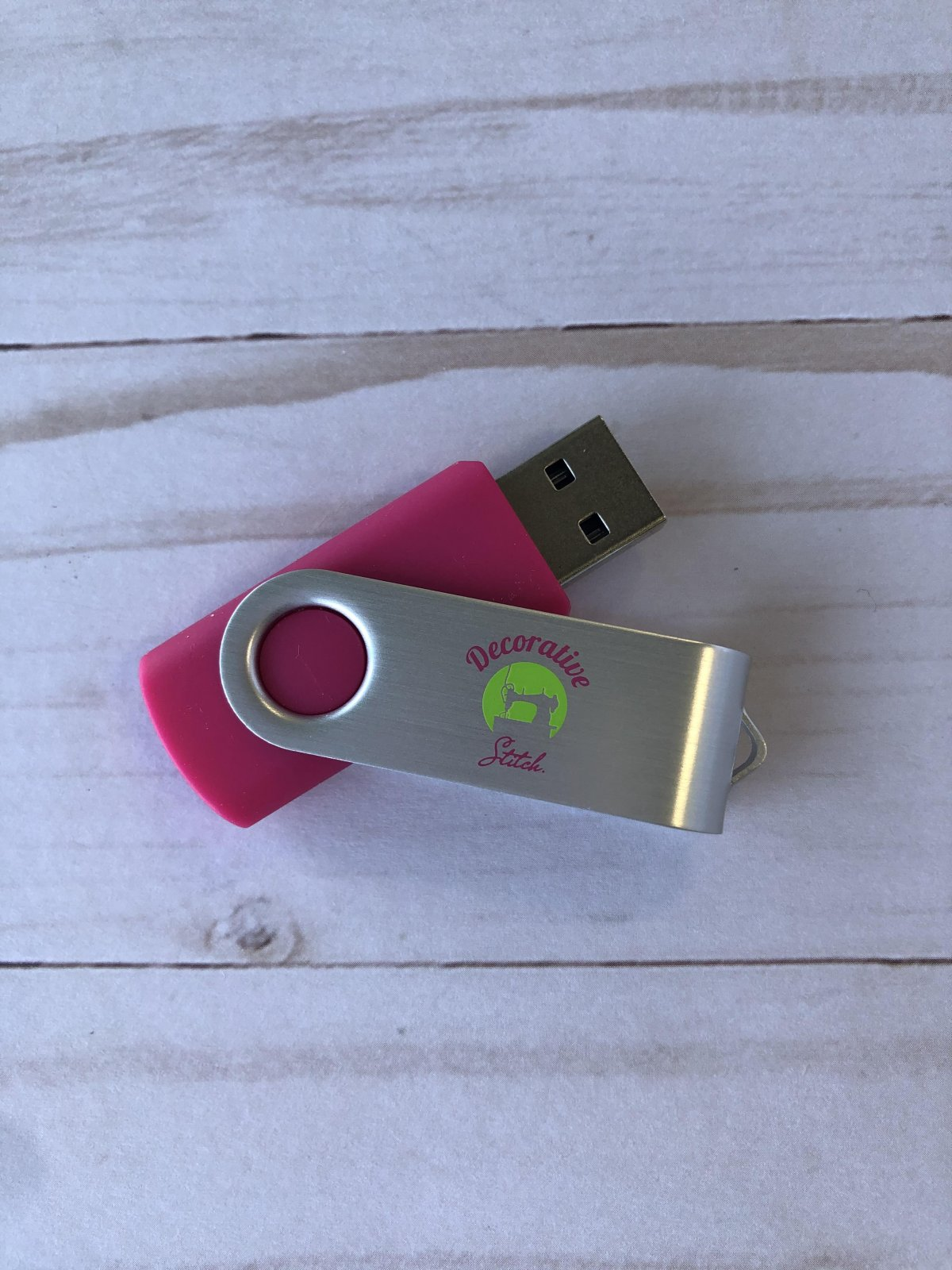Decorative Stitch Pink 4GB USB