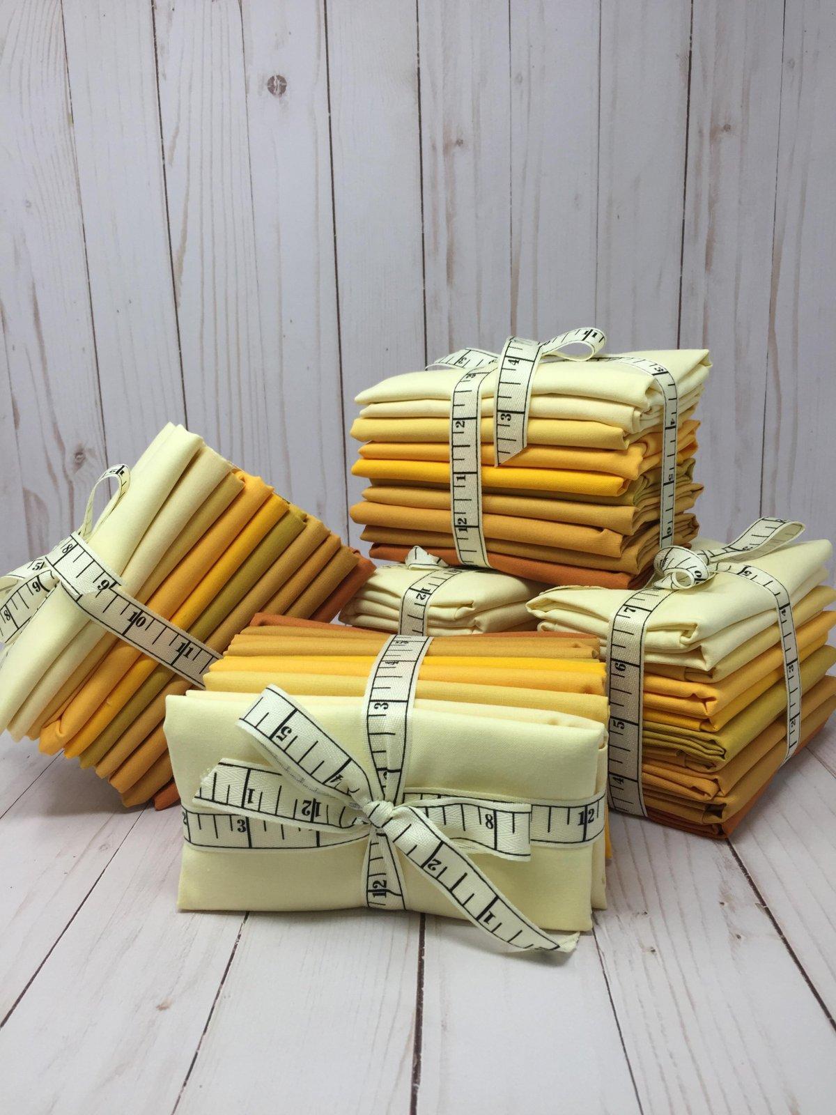 2021 - March Fat Qtr Bundle Kona Solids