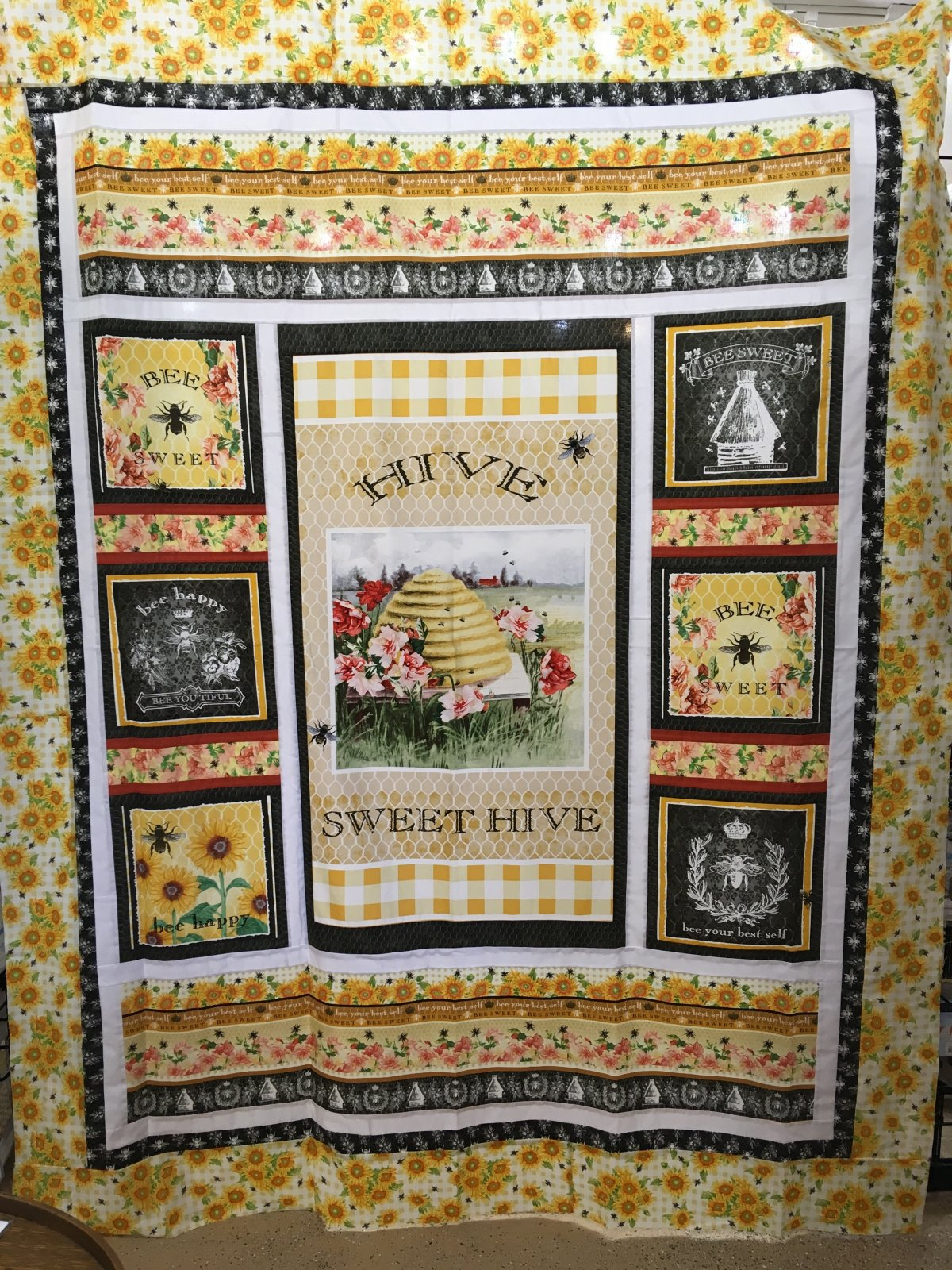 Bee Sweet Quilt Kit