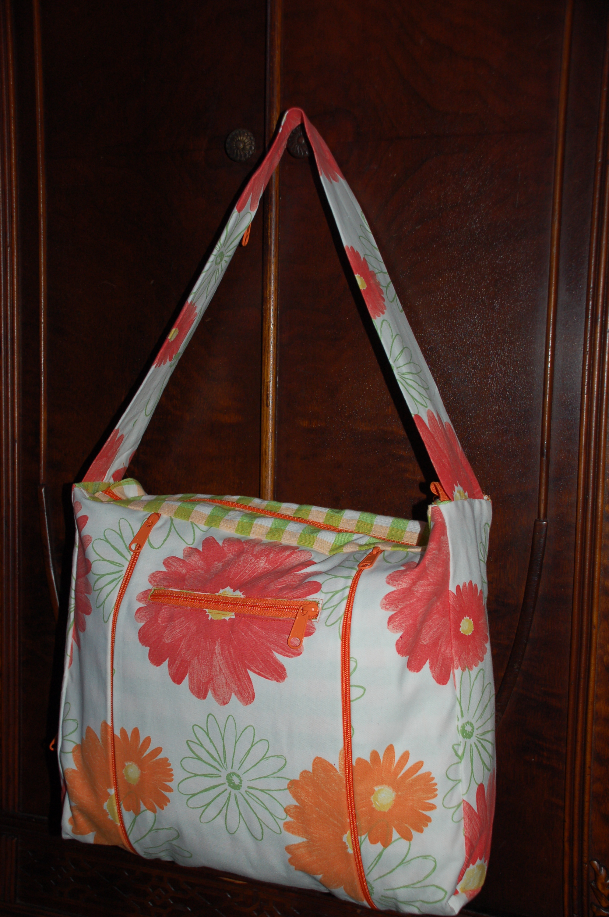 Expandable Zip Bag Pattern with CD