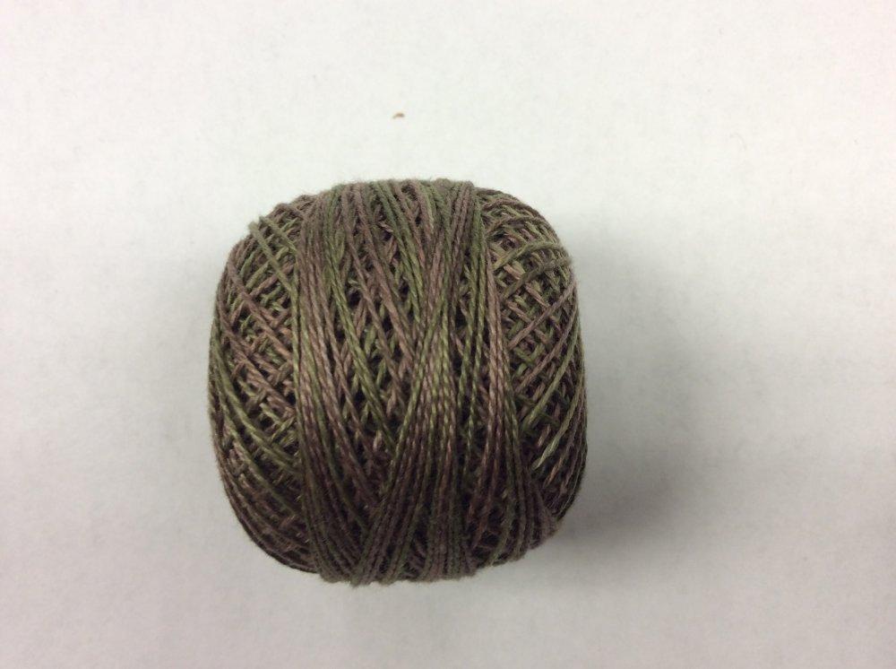 0574 Valdani 12 thread variegates