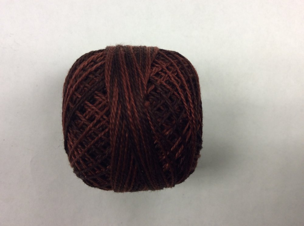 0547 Valdani 12 thread variegates