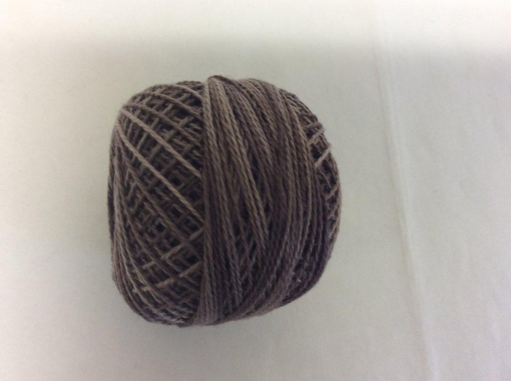0512 Valdani 12 thread variegates
