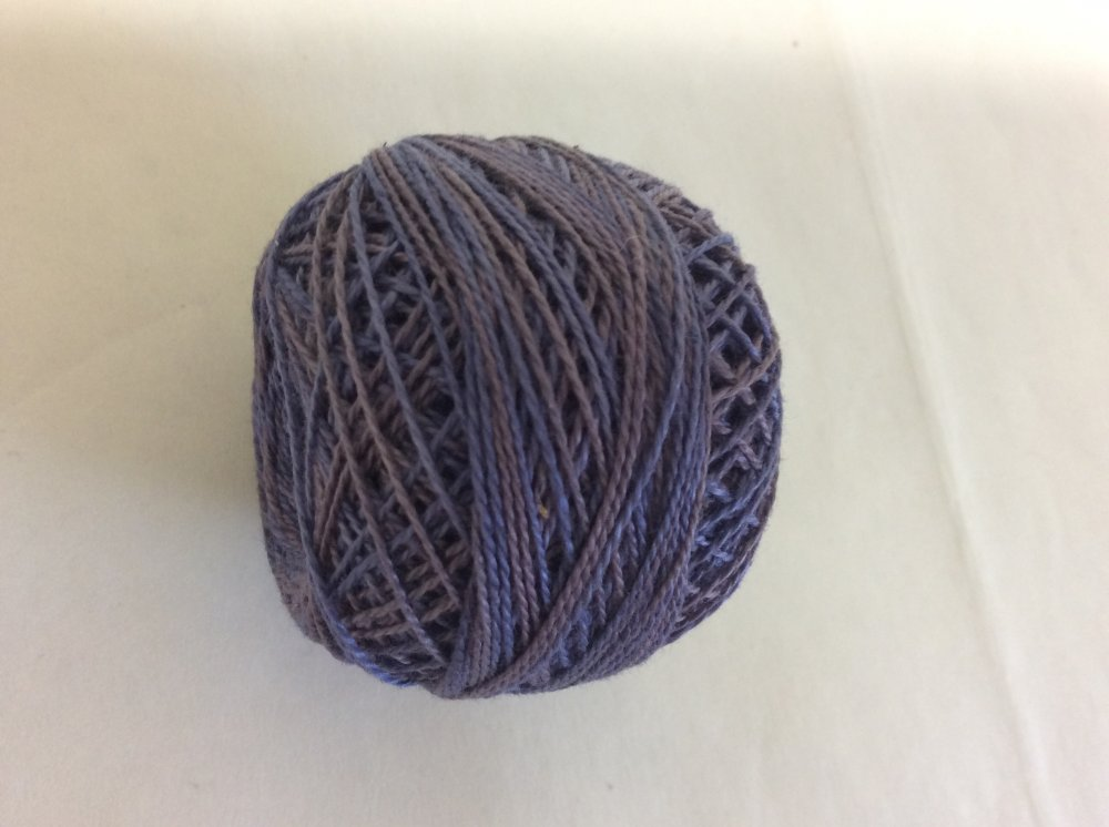 0562 Valdani 12 thread variegates
