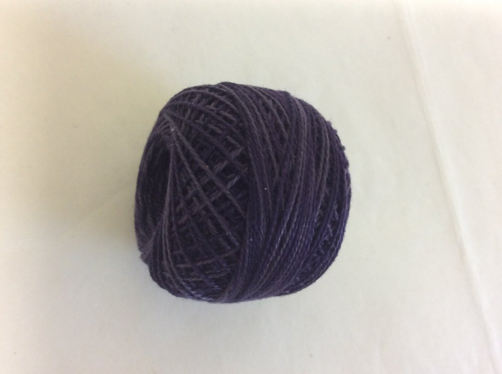 0592 Valdani 12 thread variegates