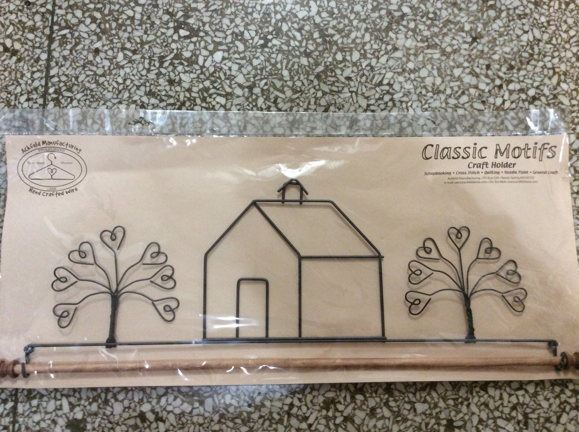 22in School House Fabric Holder