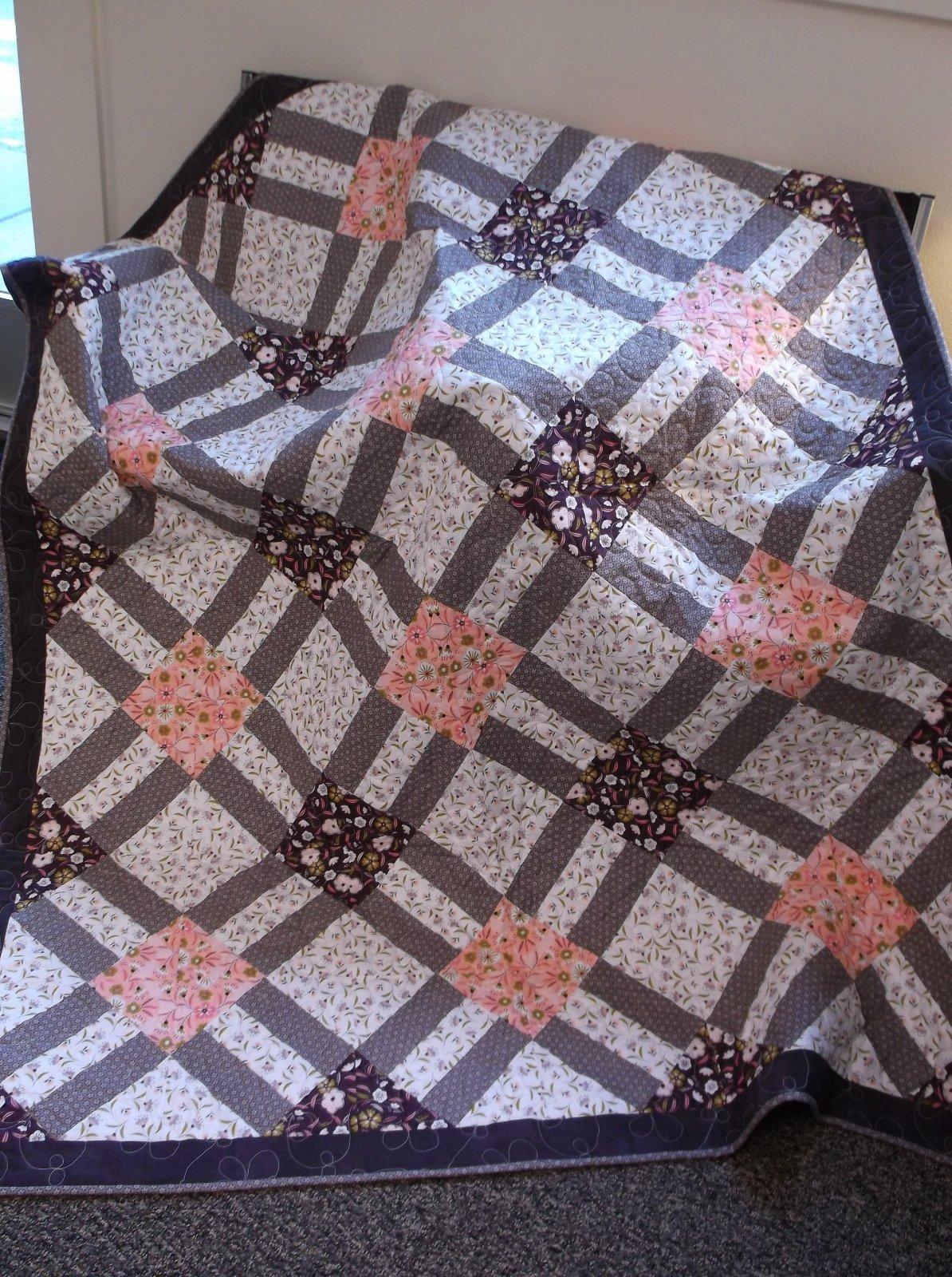 Cracker Lattice Quilt Kit Captivate Camelot