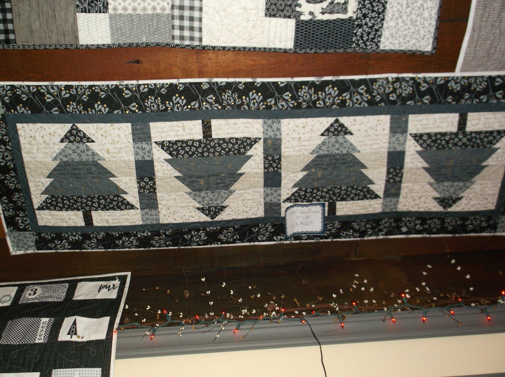 Tree Table runner kit White Christmas