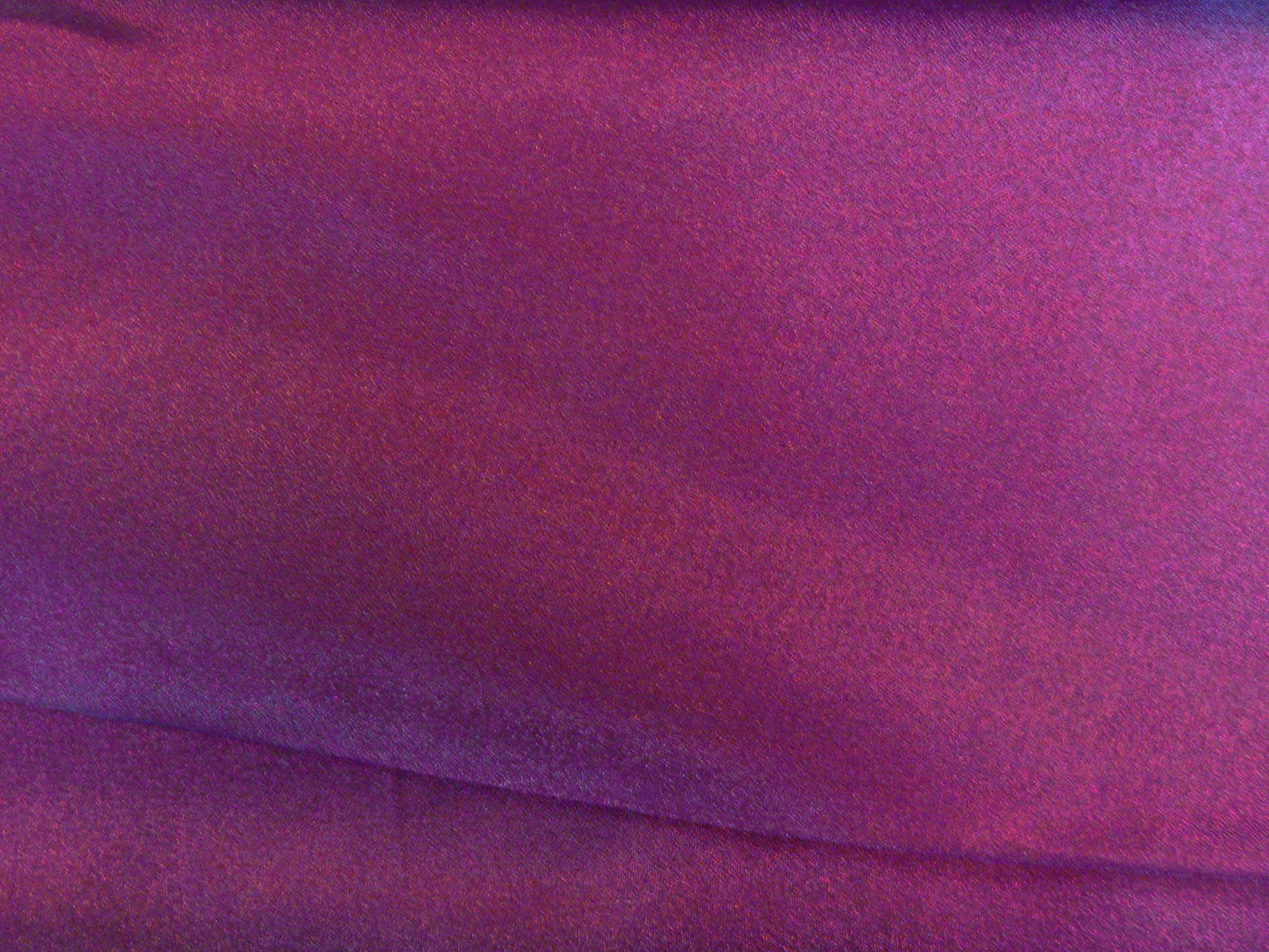 Organza, iridesent dark raspberry
