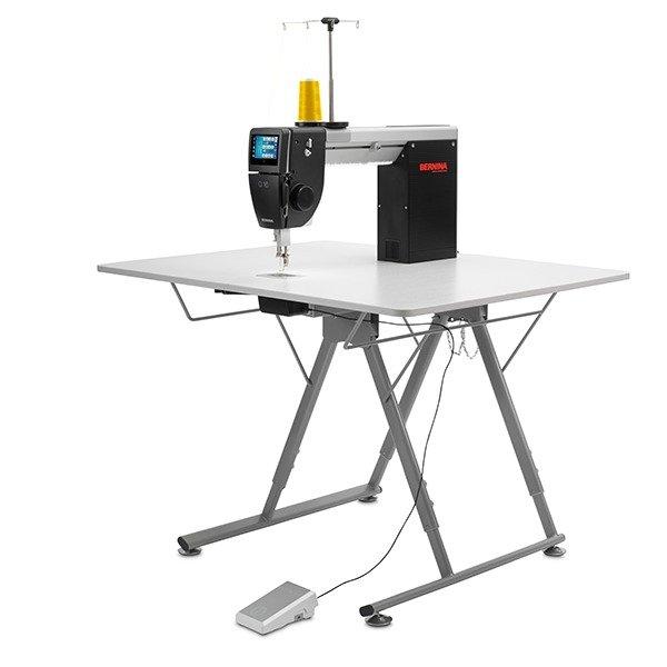 Bernina Q16 with Foldable Table
