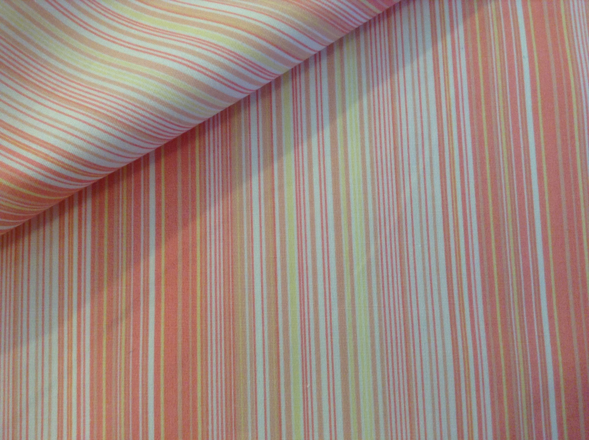 Shirting, white with pink/yellow fine stripe