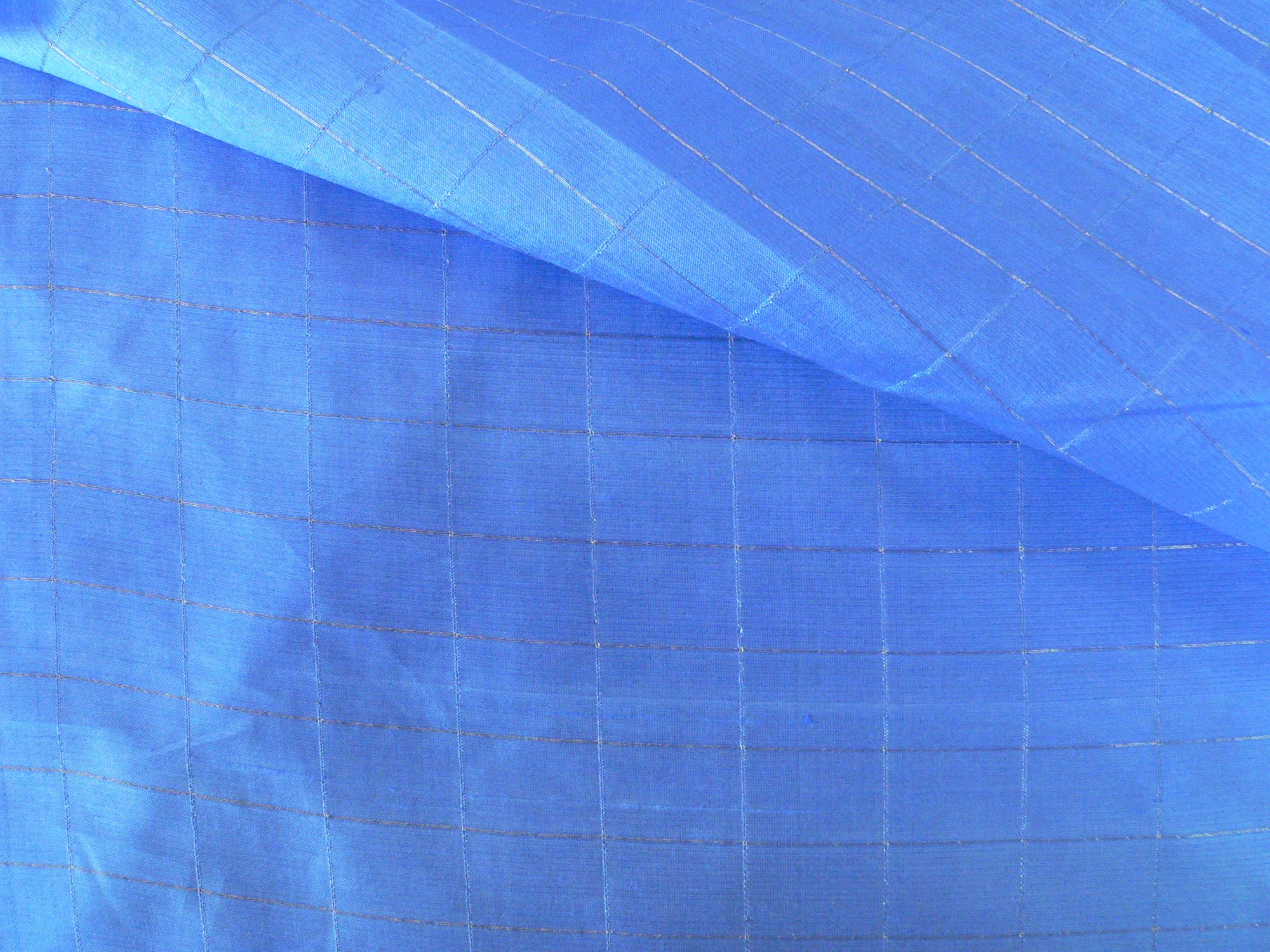 100% silk organza, with silver metalic, blue