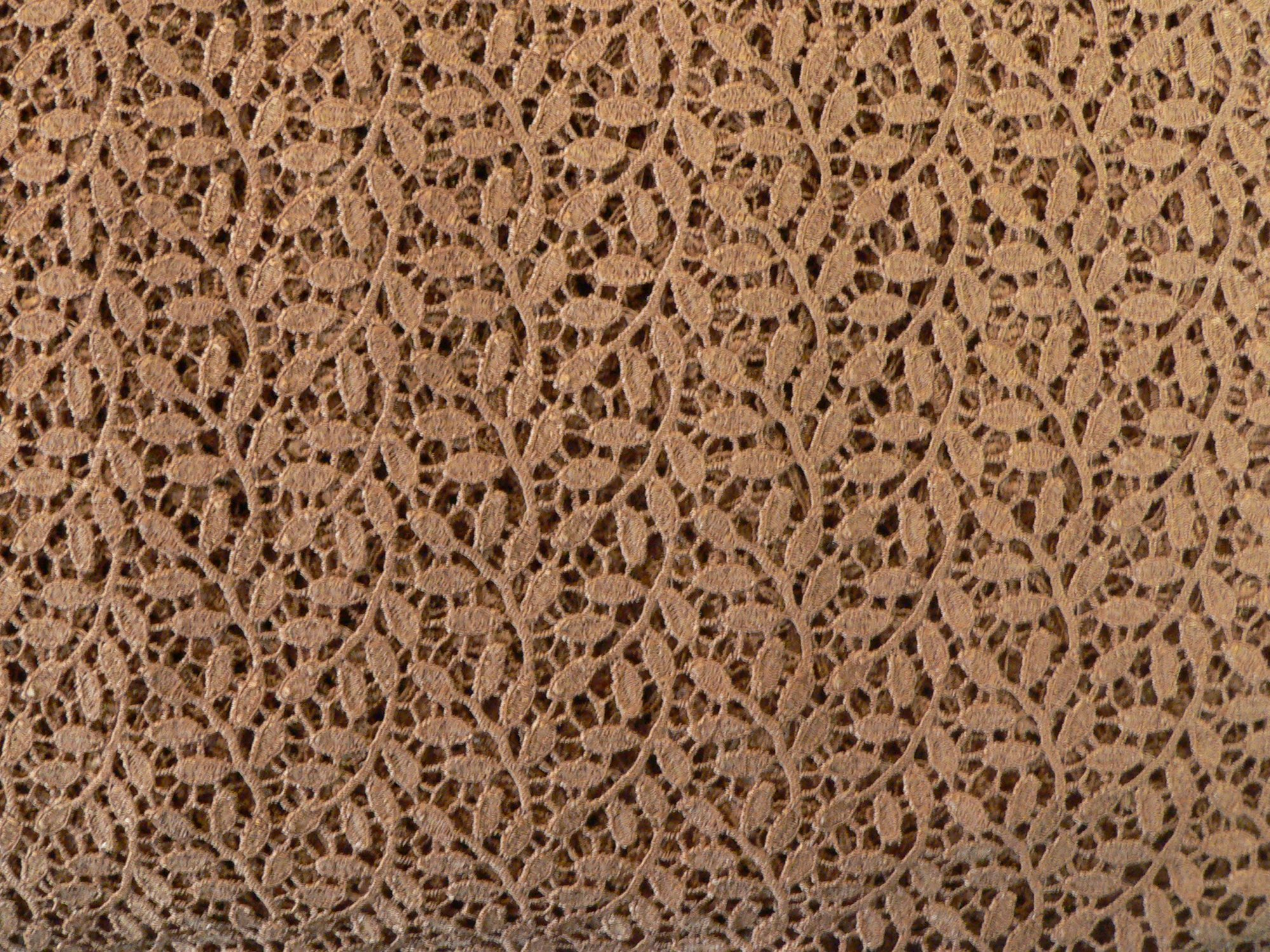 Lace, with double scalloped edge, rust