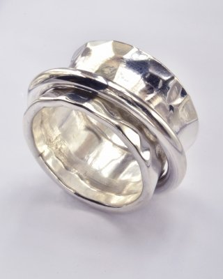 Sterling Silver Ring around the Ring size 8