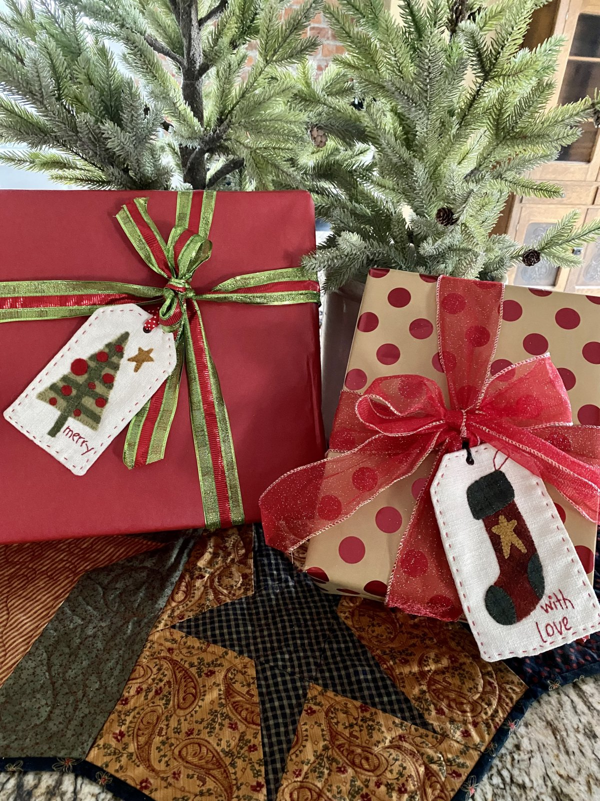 Christmas gift tags or bowl fillers kit with pattern