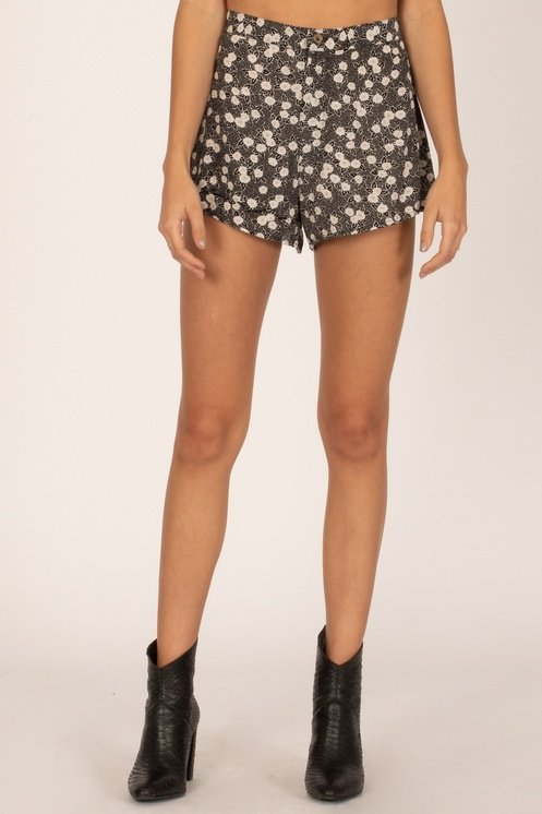 Amuse Society Dolci Woven Short Black Sands