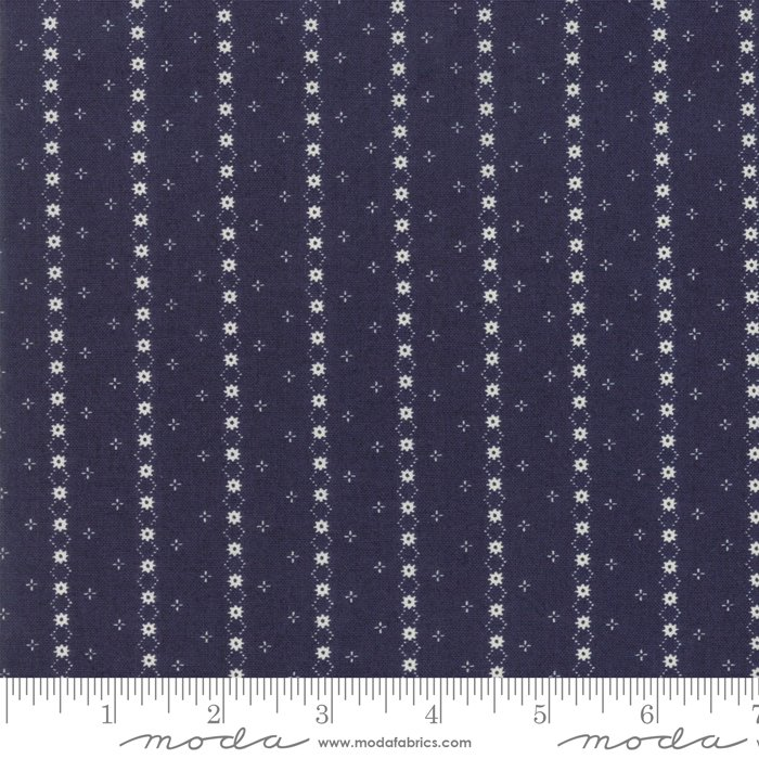 Indigo Gatherings - Daisy Chain - Navy