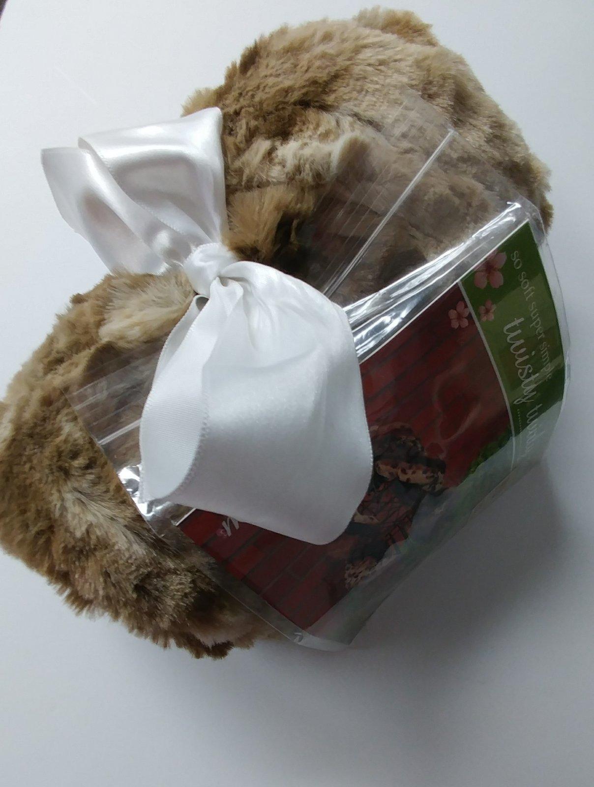 Cuddle Scarf Kit - Beige