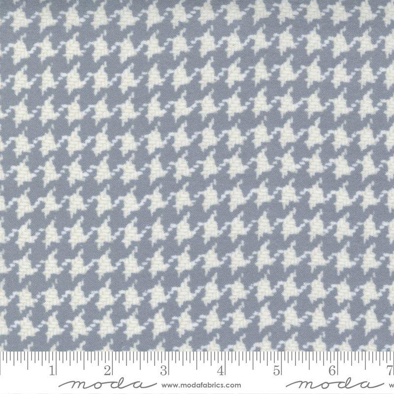 Yuletide Gatherings Flannels - Houndstooth Check 49143 17F Grey Smoke