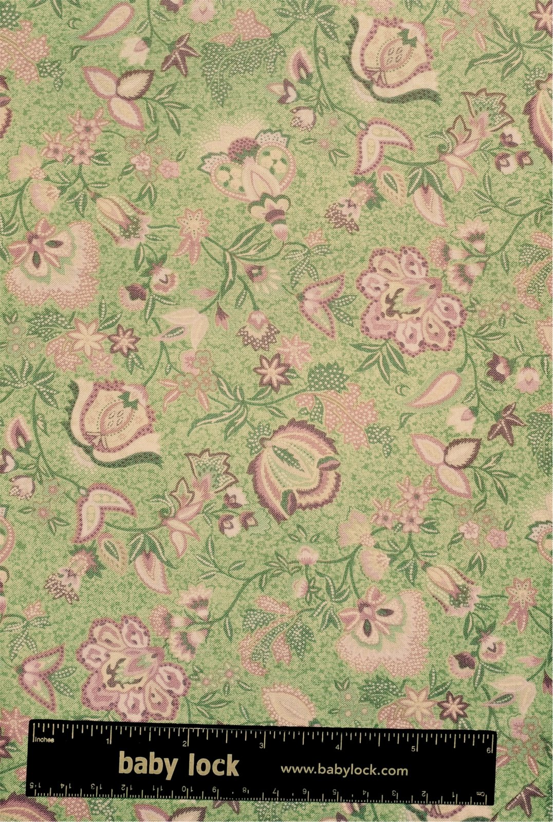 Hoffman Treasures of Provence D601 77 - Mint-Green Pinks