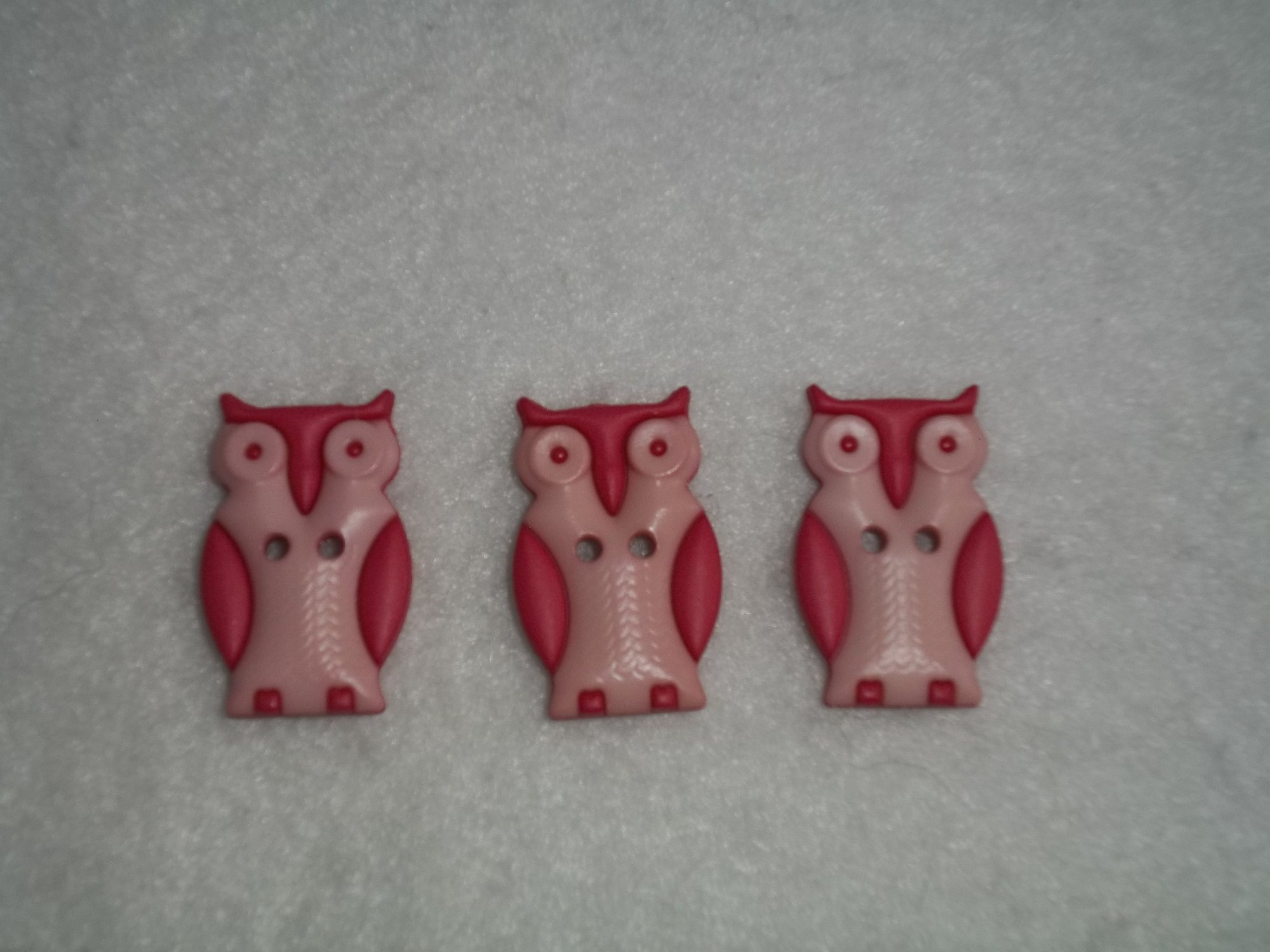 Owl Button inPink - 25 mm long - two hole