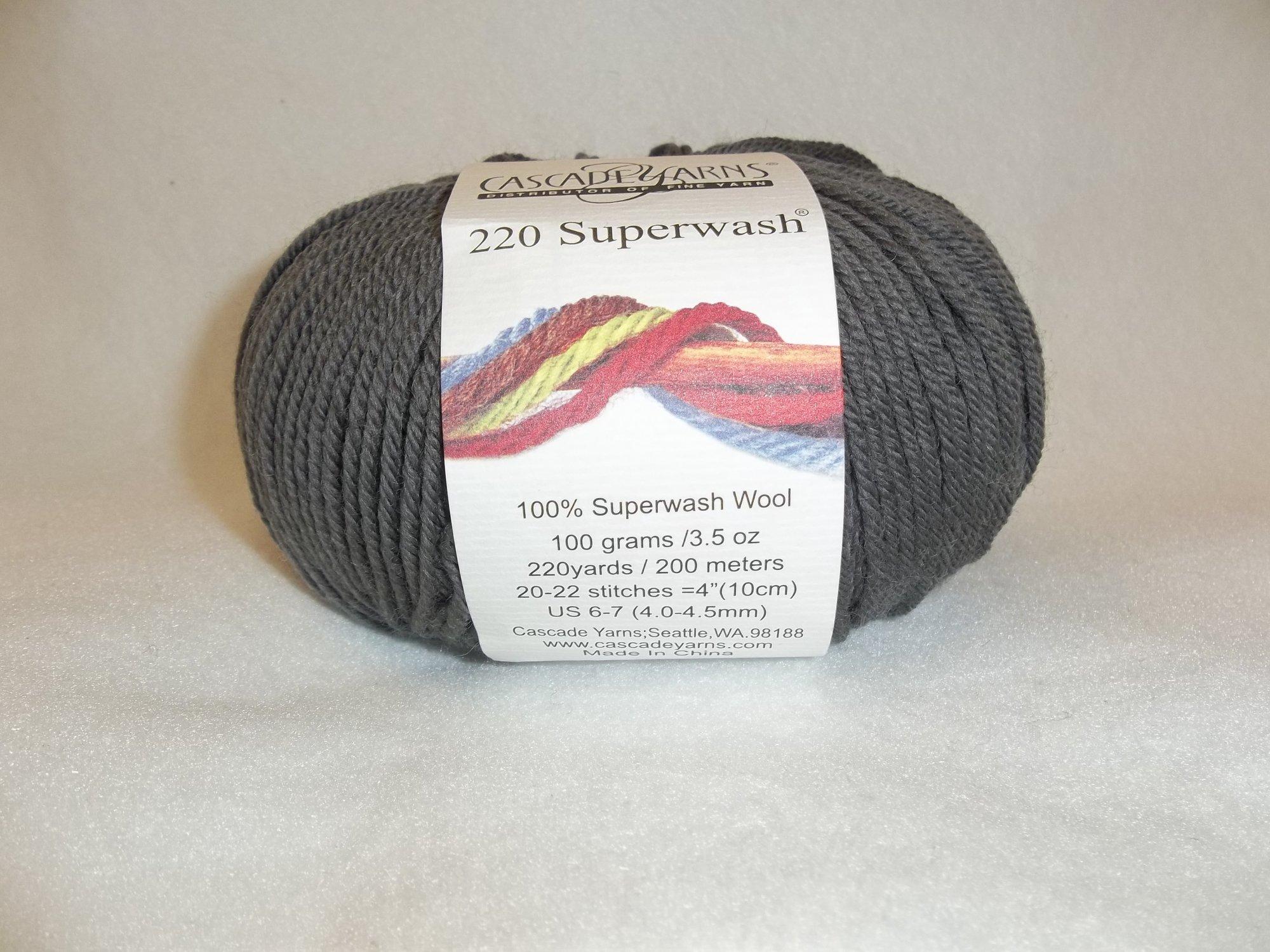 Cascade 220 Superwash - Color 816 - Dark Grey