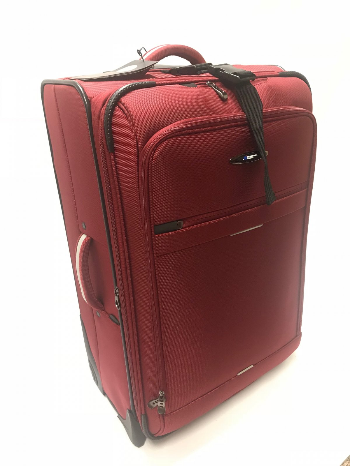 25 Checkable Red Everest Collection with Ballistic Polyester (international travel dimensions) by International Luggage