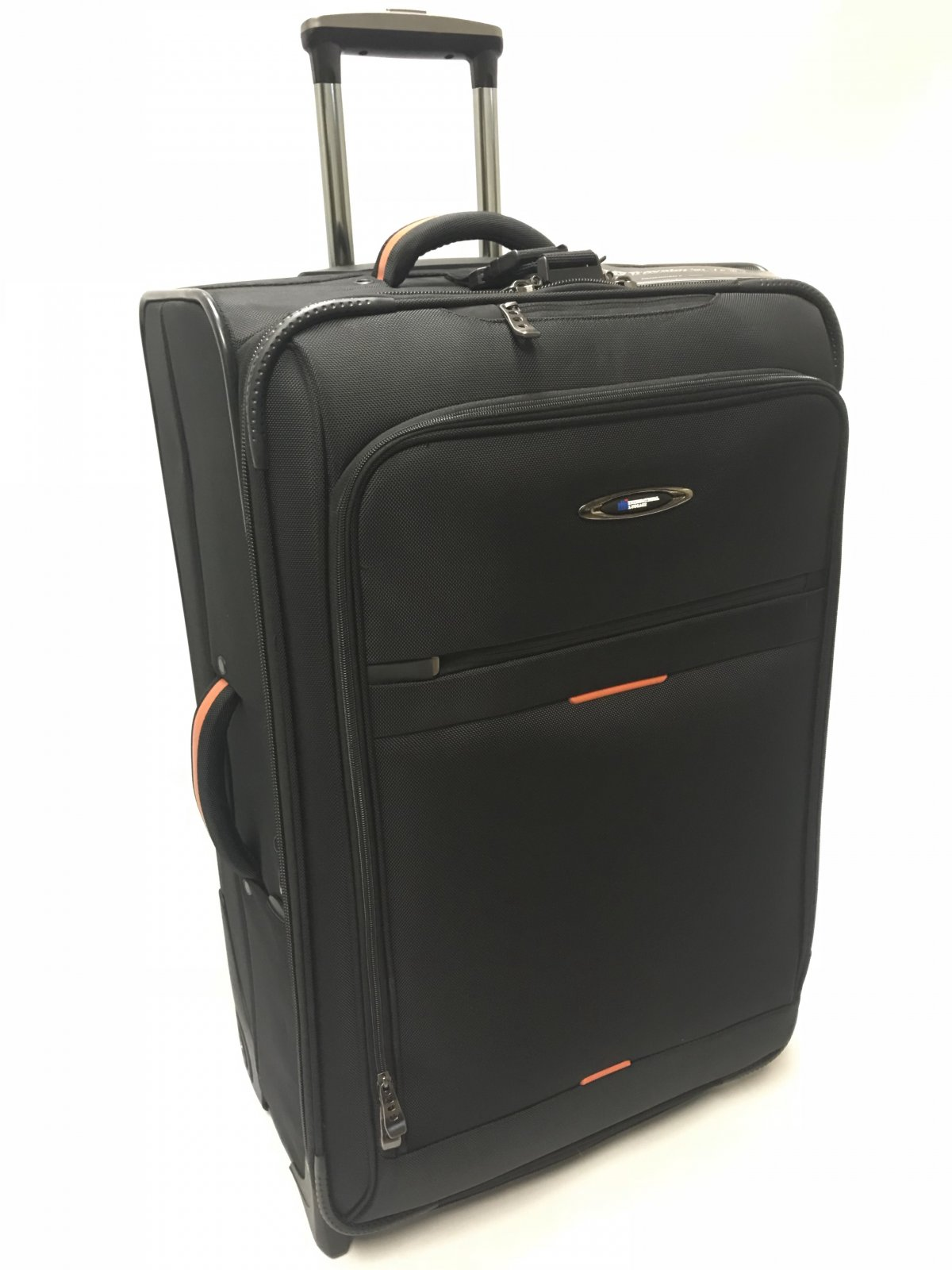 28 Checkable Black Everest Collection with Ballistic Polyester (international travel dimensions) Travelers Choice