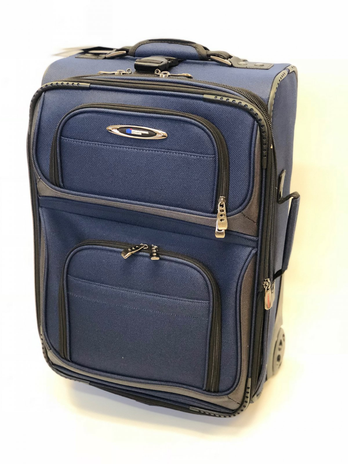 Rocky Mountain Series 21 Carry On Navy (domestic travel dimensions)