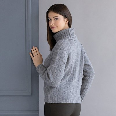 Livia Turtleneck Kit (String)