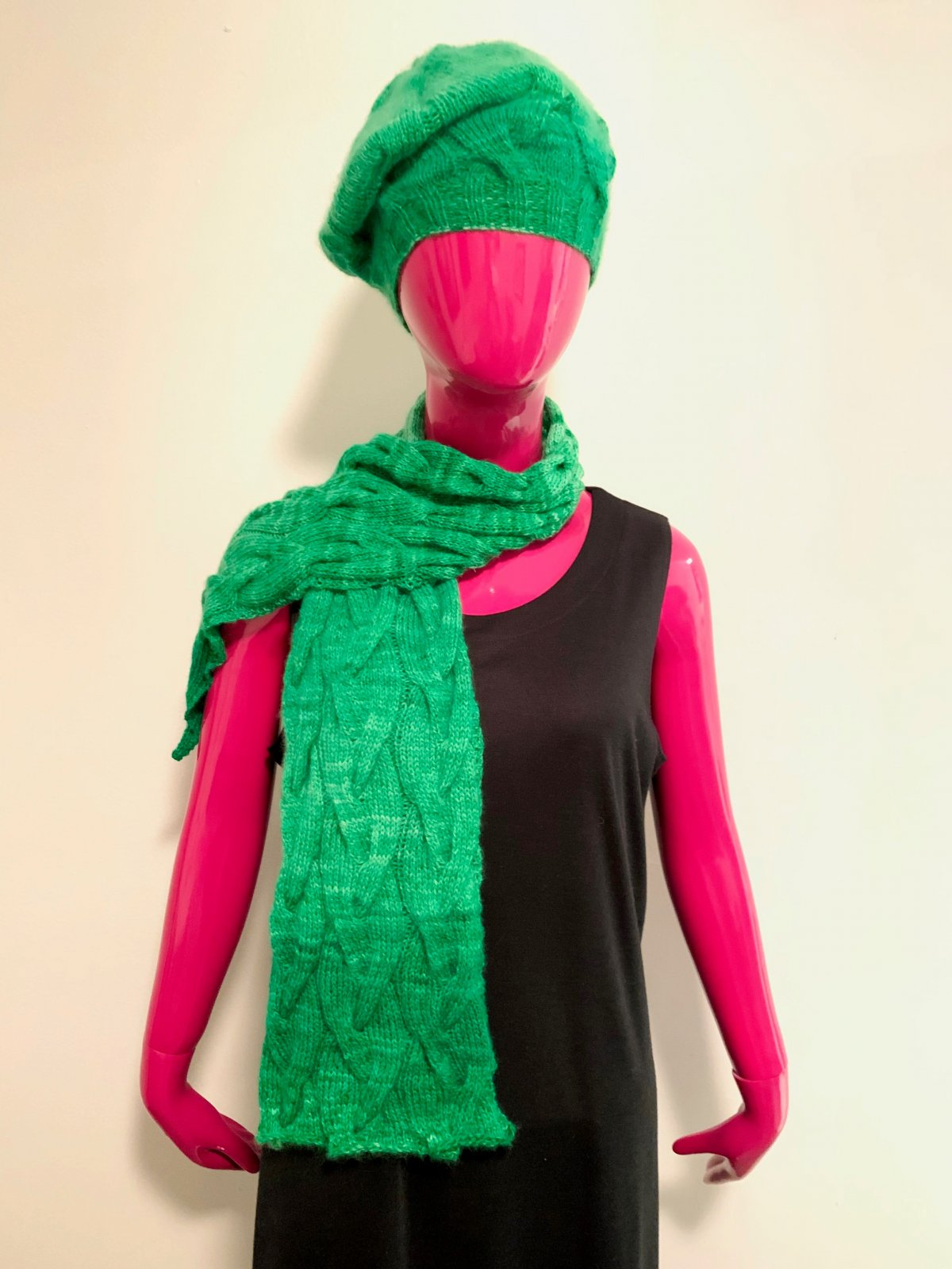 VK Special - Monkey Bread Hat and Scarf Kit (Urth)