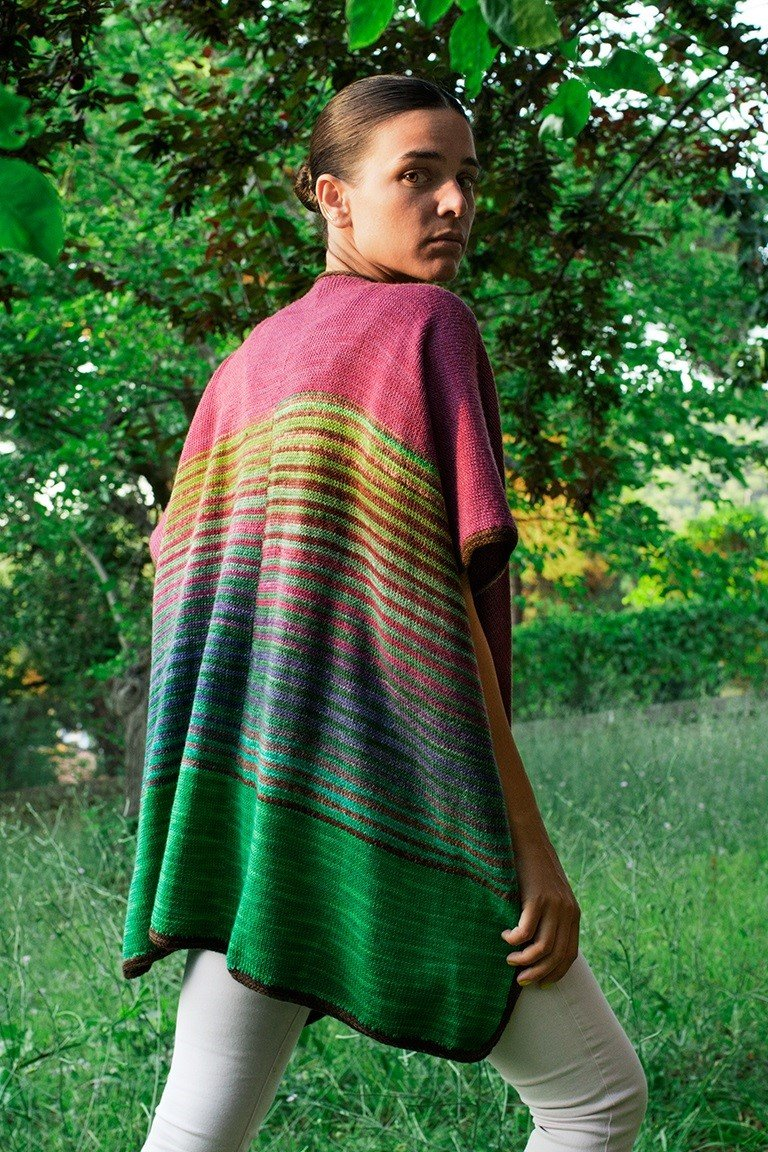 UNEEK Tri Color Ruana Pattern