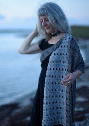 Fiberside Chats -Laura Bellows - JUL - May 28, 6PM