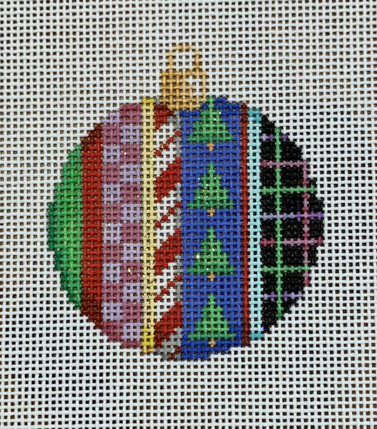 ATTSCT1491 Trees/Patterns Mini Ball  2.25x2.5  18