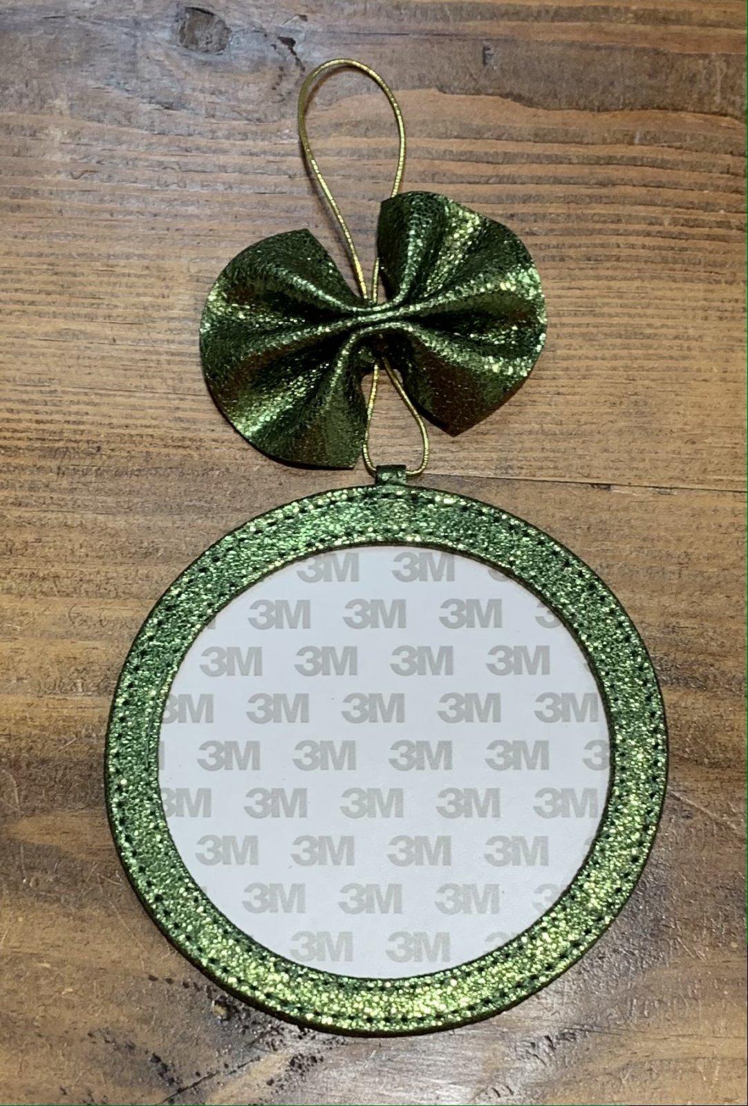 4 Ornament - Fern Foil