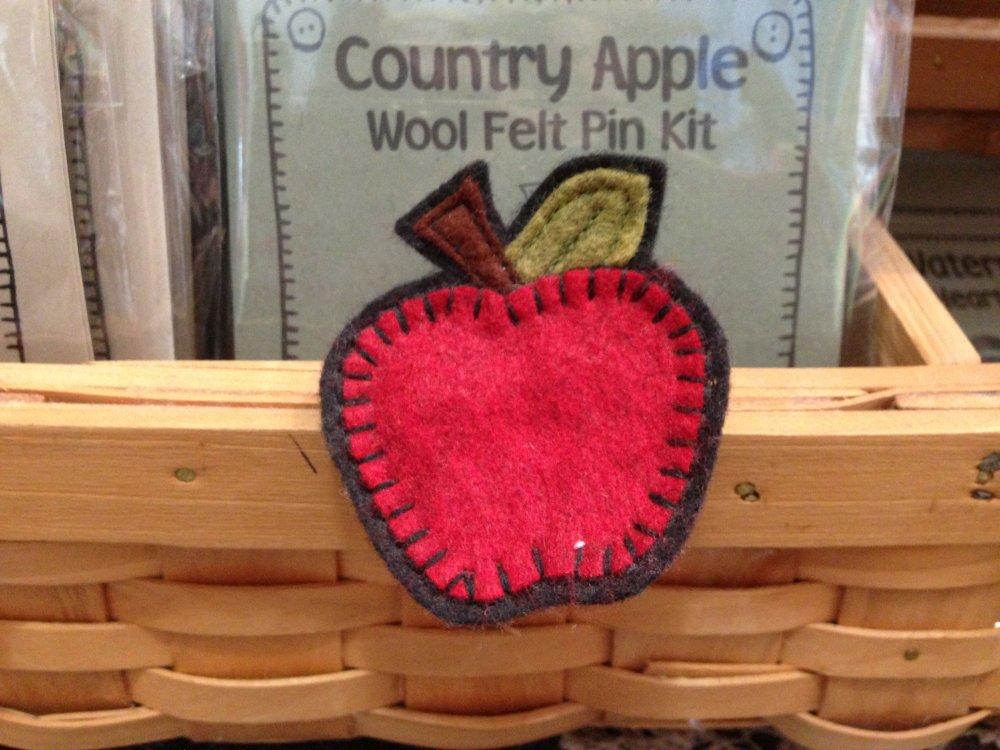 Country Apple Pin Kit
