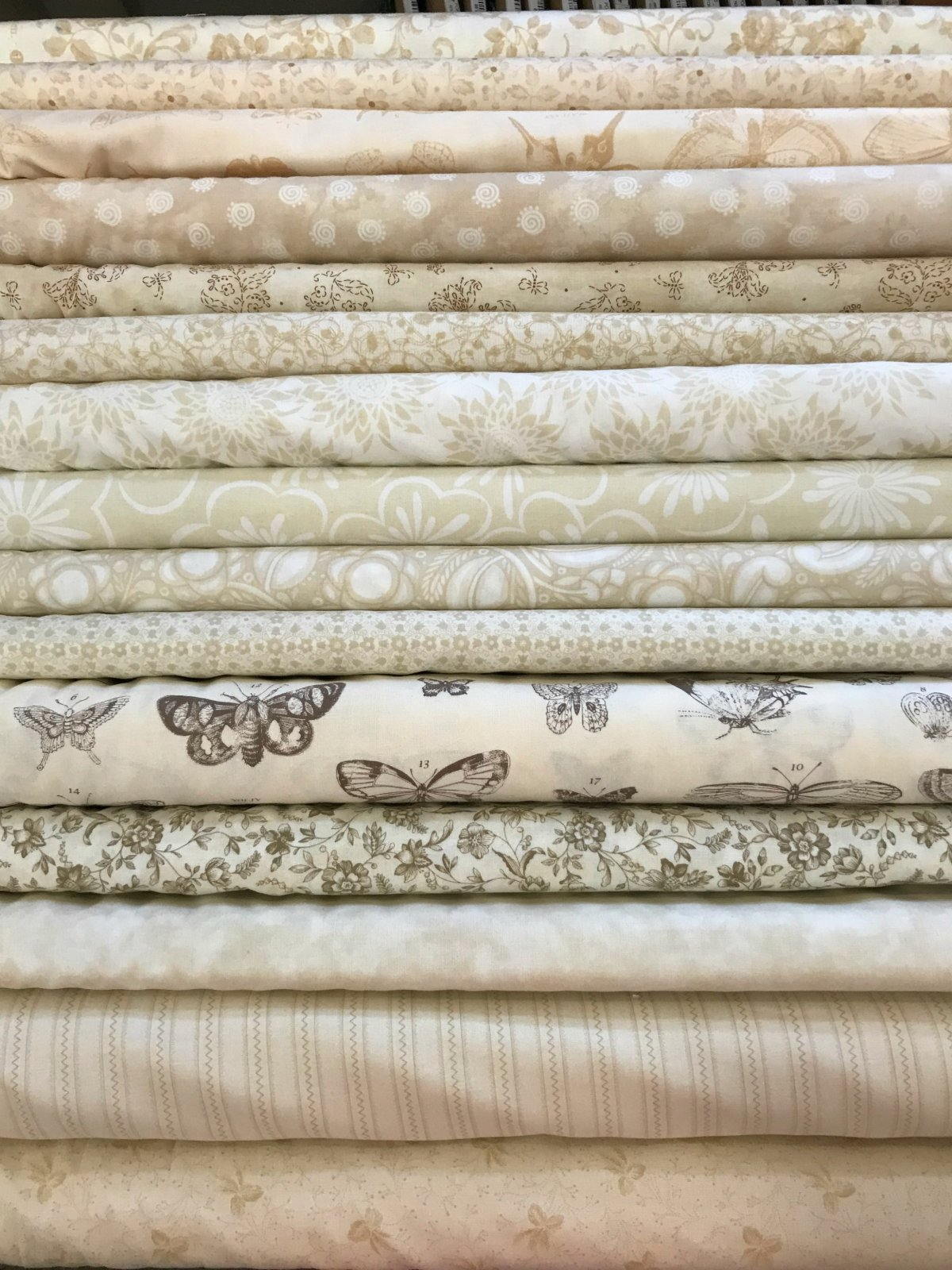 Creamy Neutrals - 14 Fat Quarters