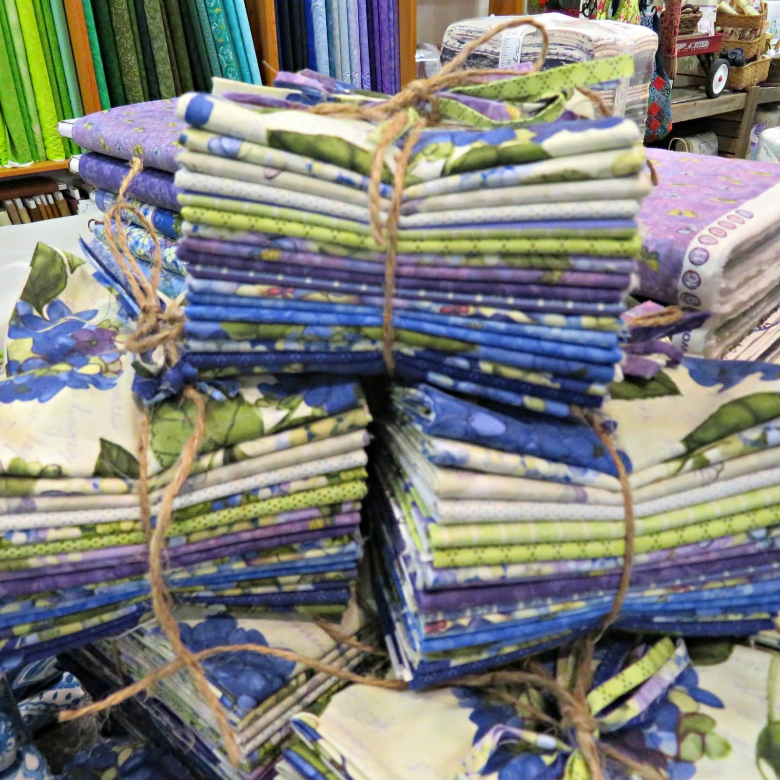 Heavenly Hydrangeas Fat Quarters - 17 FQ's