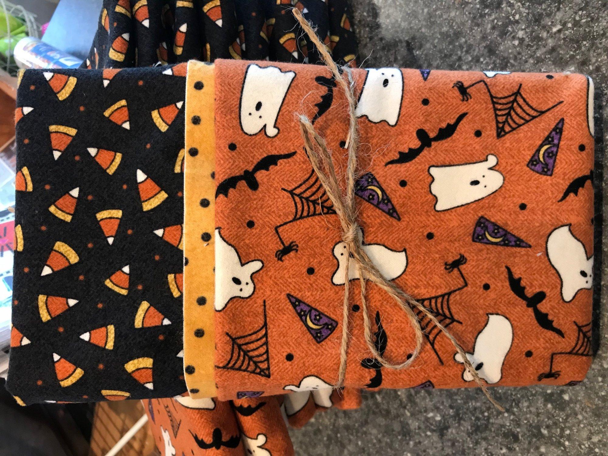 Halloween Flannel Pillowcase Kit