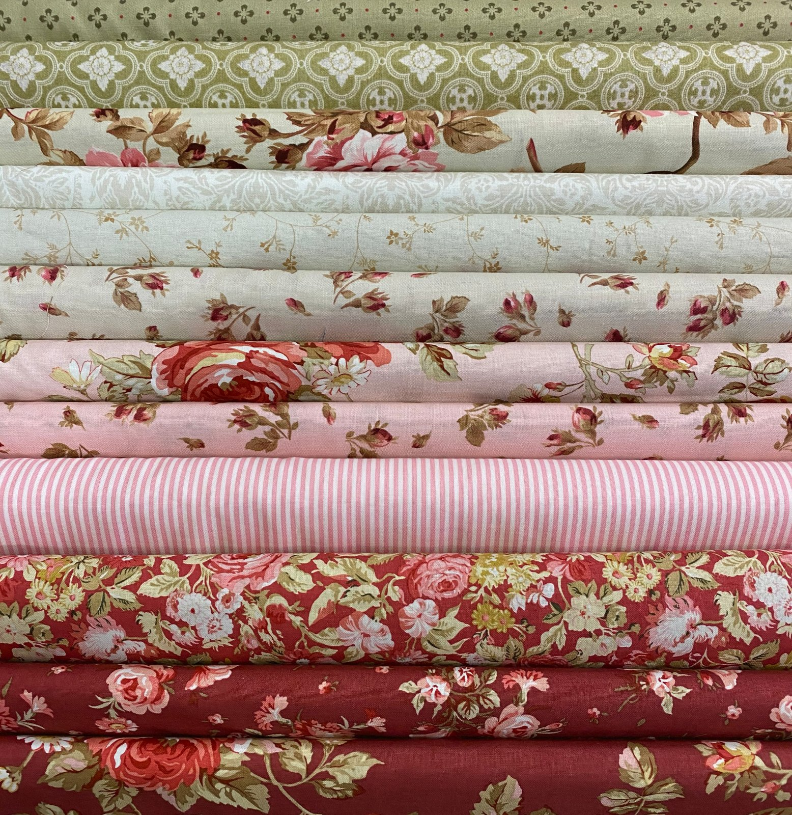 Vintage Rose - 13 Fat Quarters