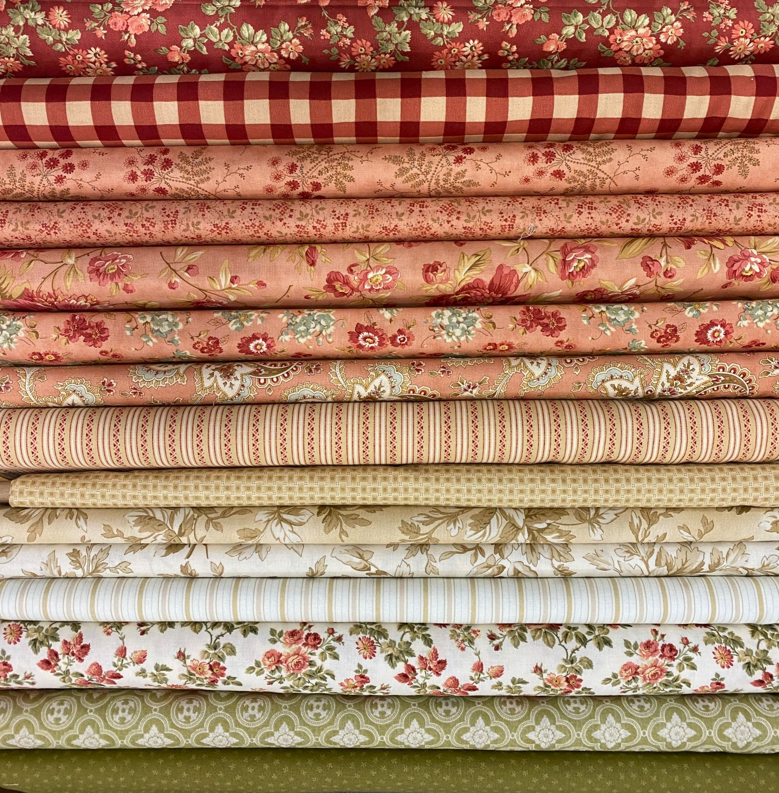 Old Fashioned Roses - 15 Fat Quarters