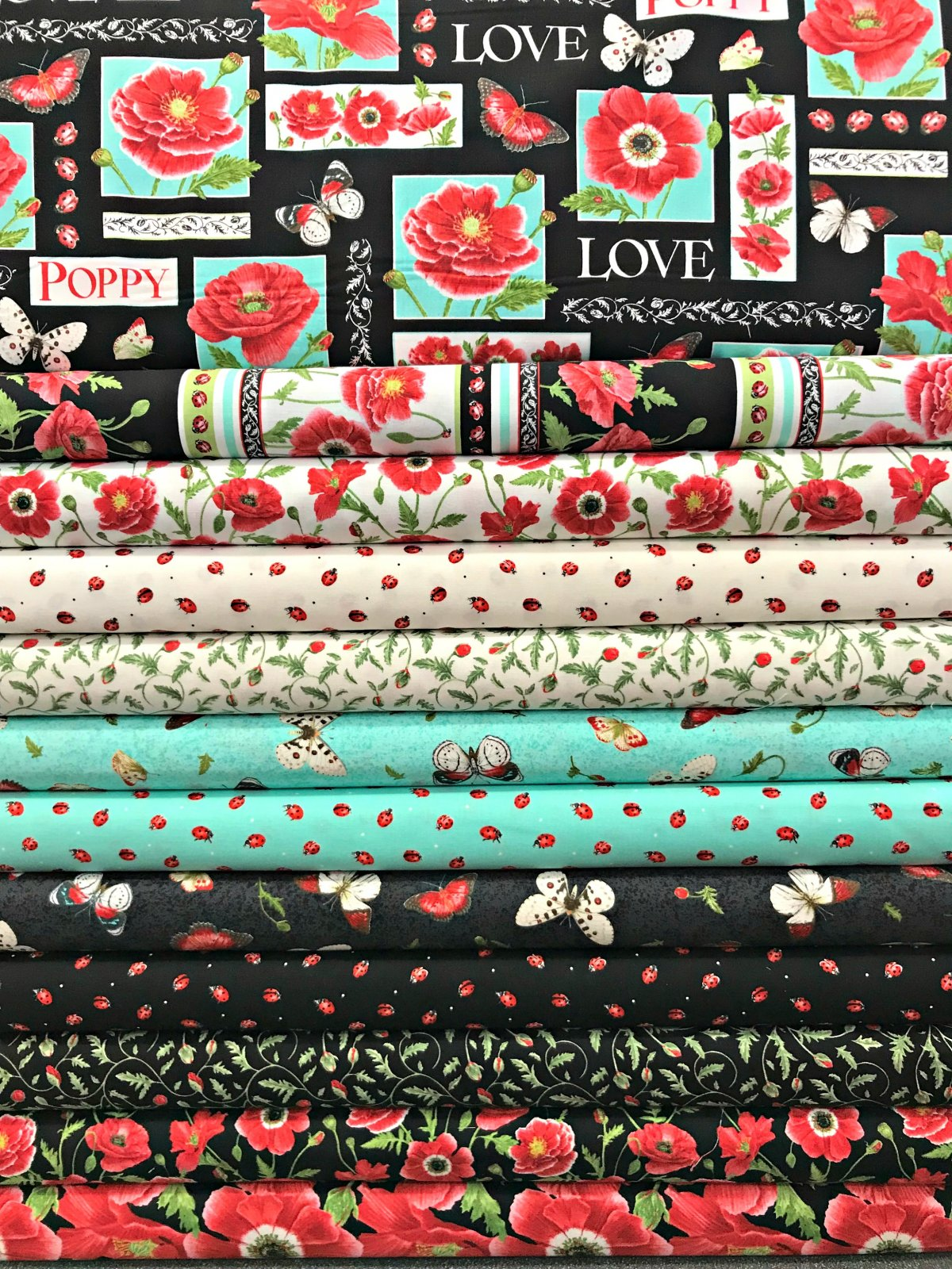 Poppy Perfection - 12 Fat Quarters