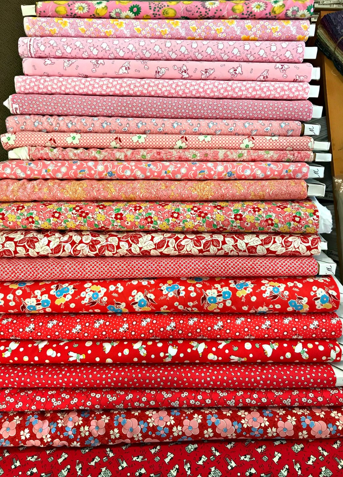 Red & Pink Reproduction - 21 Fat Quarters