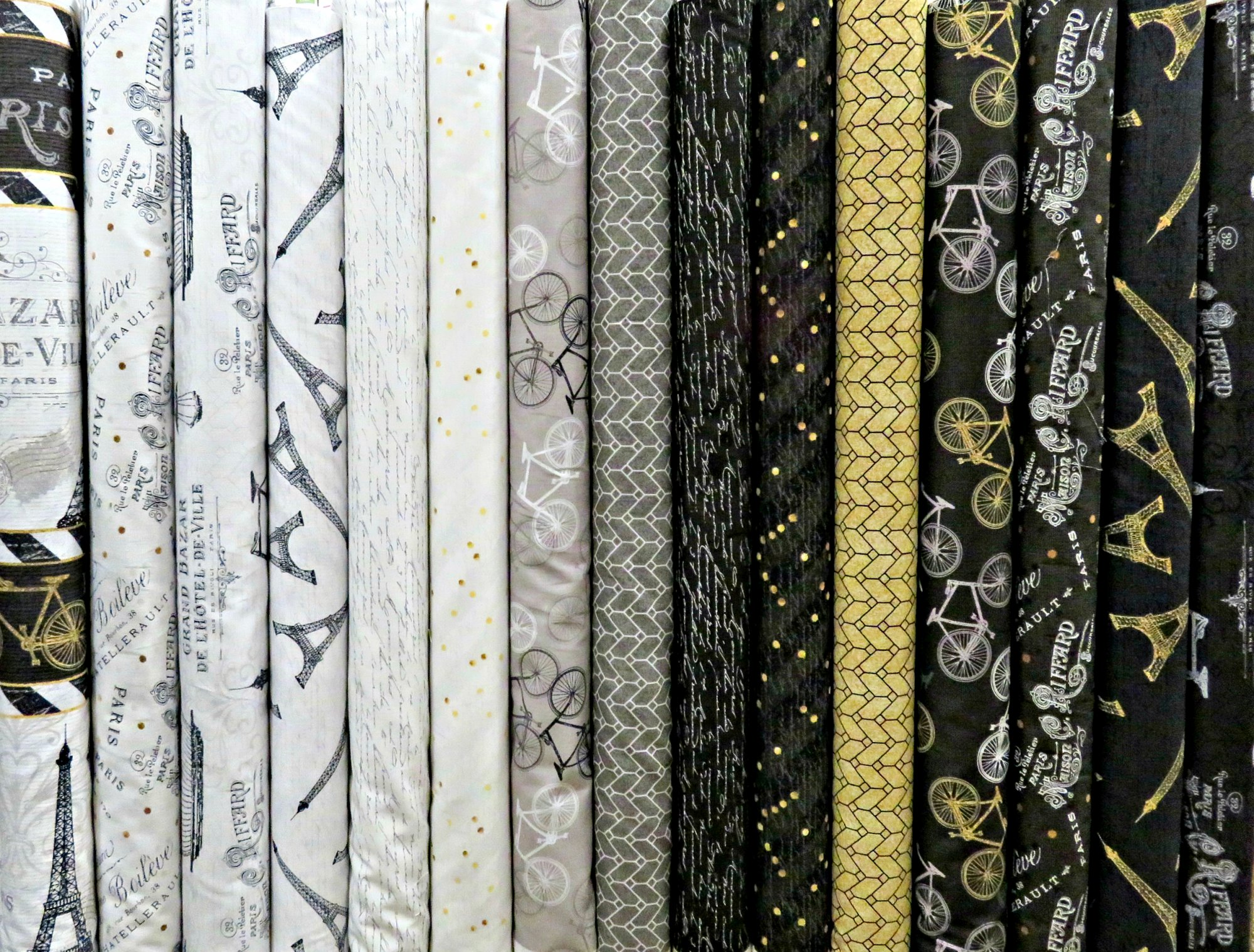 Tres Graphique - 15 Fat Quarters