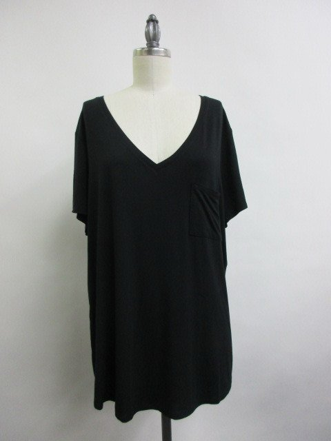 Tee - V-Neck BLACK * Women's Plus Size