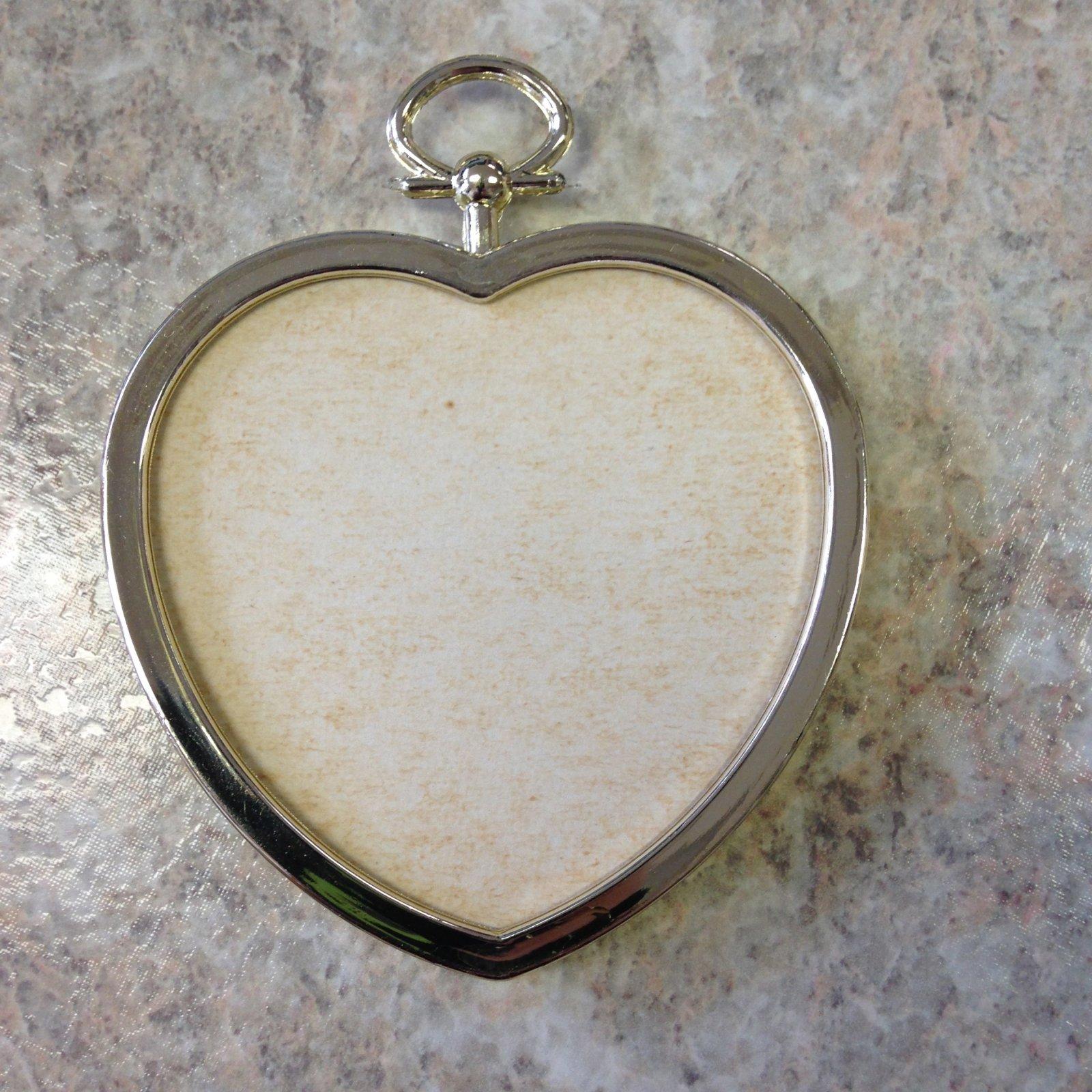 2.25 Gold Heart Frame