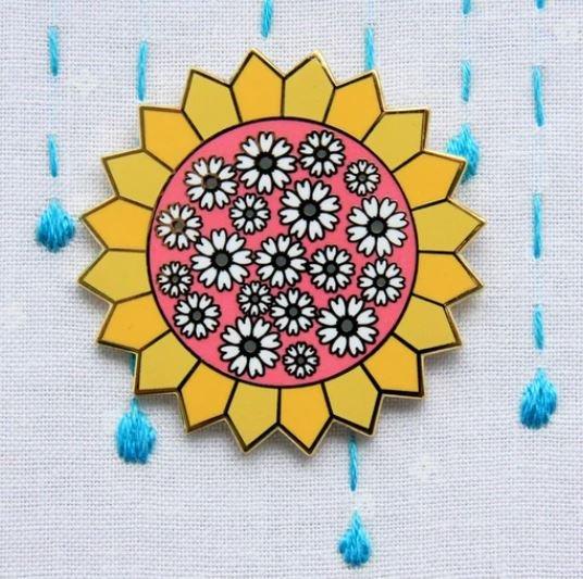 Sunny Daisy Dresden Needle Minder